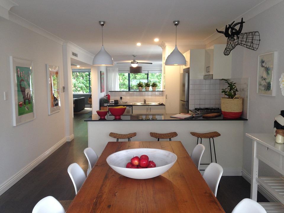 איך בוחרים תאורה שתחמיא למטבח שלכם