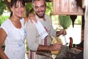 לבעלי מטבח חיצוני: כך תצלילו אותו בעזרת פרגולות