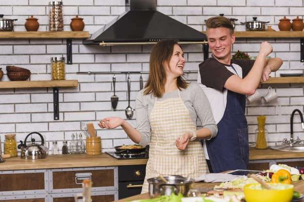 איך עיצוב מטבחים נכון משפיע על תהליך הבישול שלכם