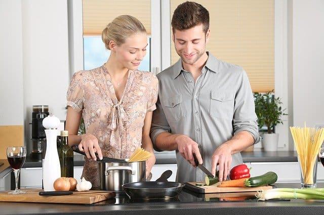 מבשלן חובב למאסטר באמצעות תכנון מטבח חכם בלבד
